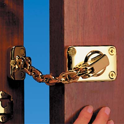 Yale® WS16 Heavy Duty Door Chain and Bolt - Brass